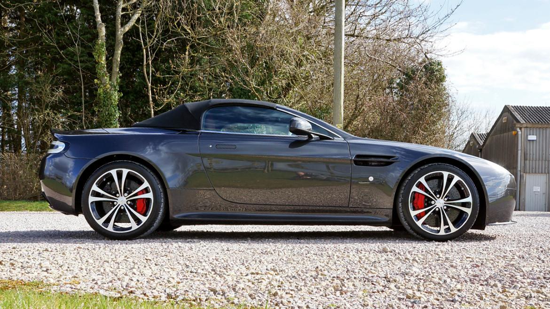 Aston Martin V12 Vantage Roadster - New Car Detail | Exclusive Car Care 1
