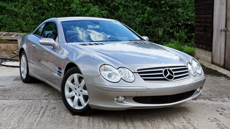 Mercedes benz sl500 car detailing wheel leather refurb for Mercedes benz leather