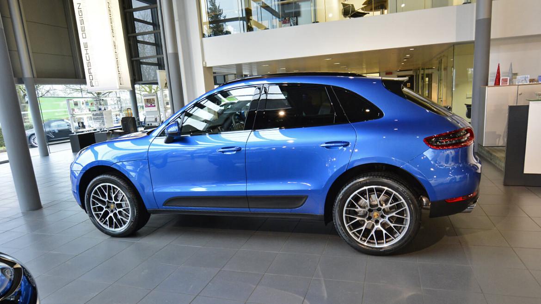 Porsche Macan S Sapphire Blue New Car Detail